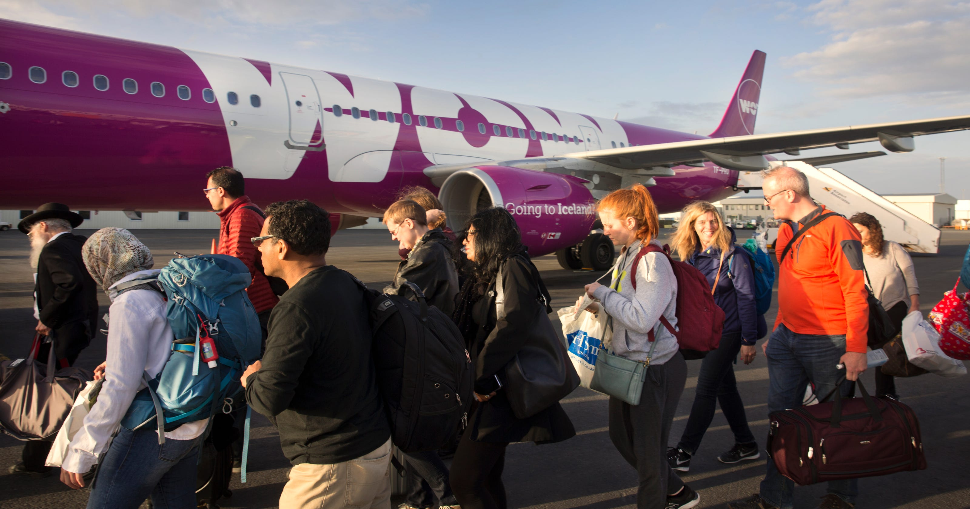 wow airlines summer job
