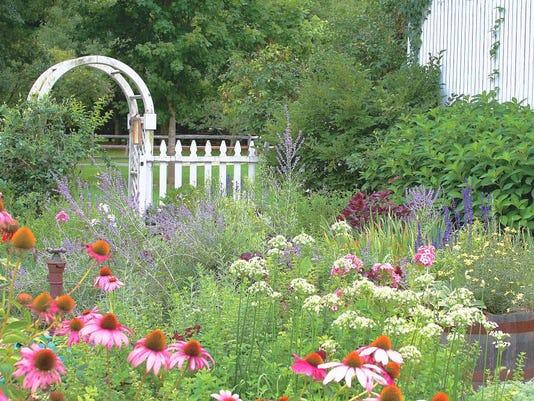 080416-h-garden-coverxx.jpg