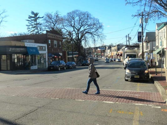 082516-it-crossstreet.jpg