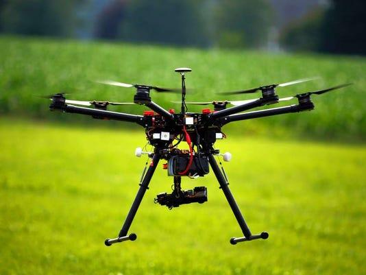 091516-su-dronepolicy.jpg