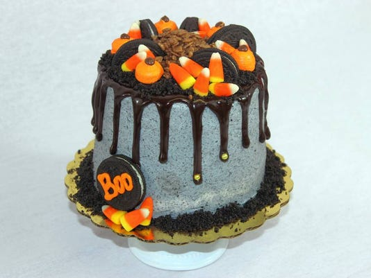 Halloween Cakes A Cut Above The Candy From Ava S Cupcakes In Rockaway