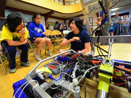 052616-mt-robotics01.jpg