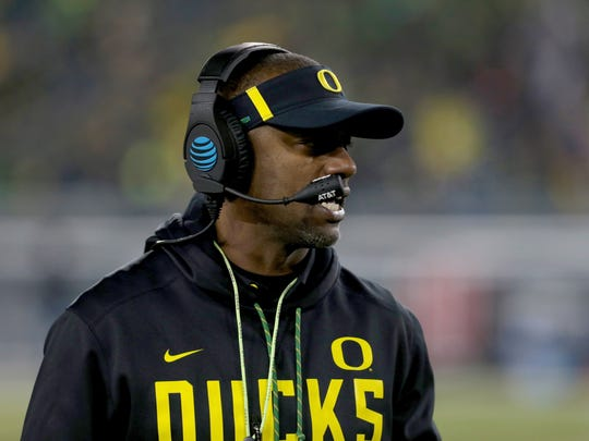 Willie Taggart led Oregon to a 7-5 record during the 2017 season.