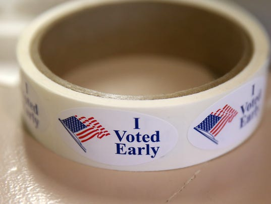636139695266970177-EarlyVoting-25.JPG
