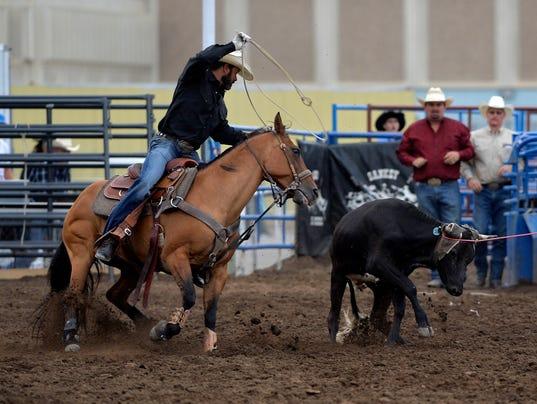 636373733795015789-08022017-Rodeo-Wednesday-zE.jpg