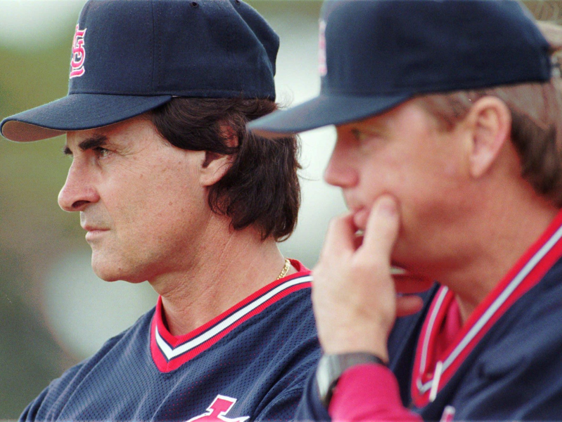 St. Louis Cardinals manager Tony La Russa, left, and