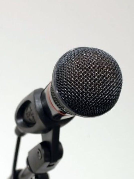 636354493189104770-0228-dmfe-mic.JPG