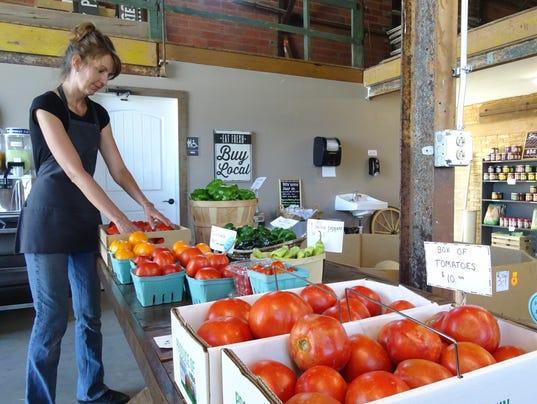 1- Arranging vegetables