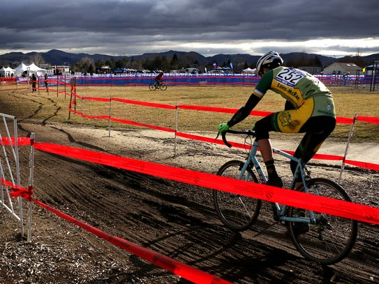 A racer makes his way around the course during the