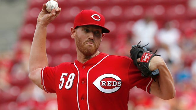 Cincinnati Reds starting pitcher Dan Straily throws against the Arizona Diamondbacks during the first inning at Great American Ball Park.