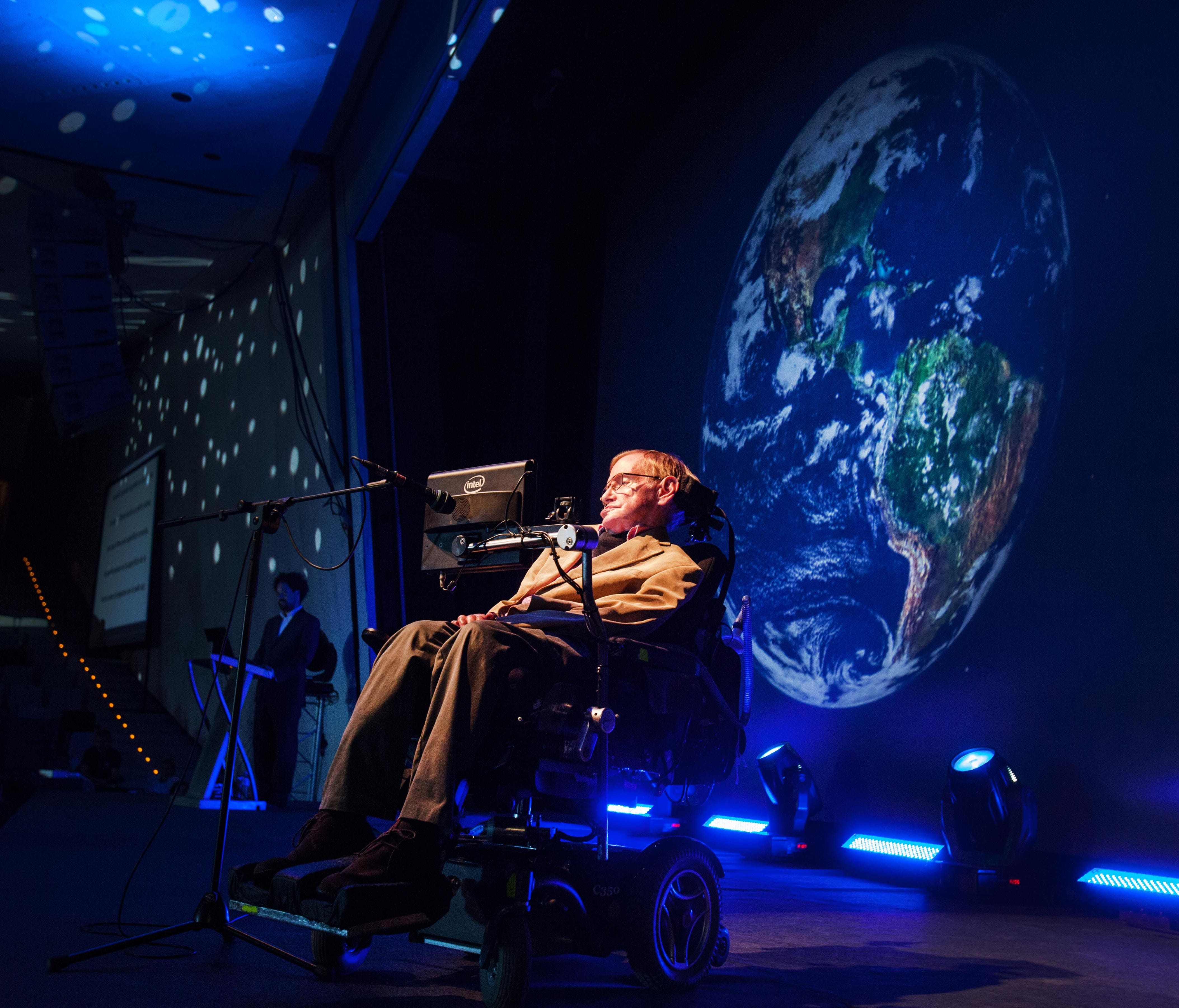 British physicist Stephen Hawking gives a lecture during the Starmus Festival on the Spanish Canary island of Tenerife on September 23, 2014.
