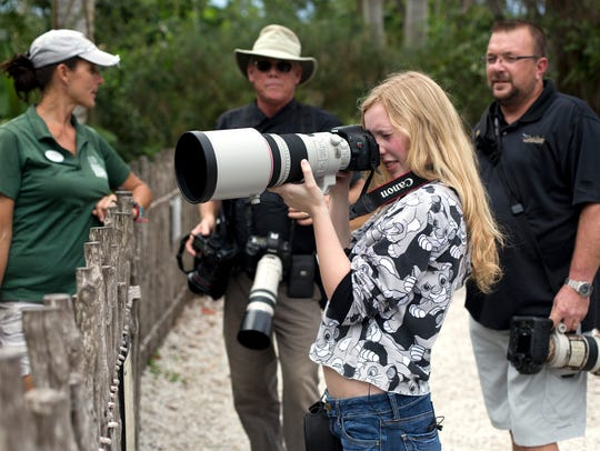 Allison Totterdale, 15, tests out her new 300 mm f/2.8