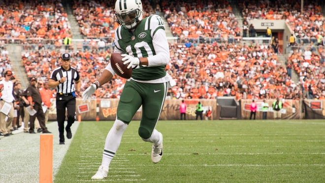 Oct 8, 2017; Cleveland, OH, USA; New York Jets wide receiver Jermaine Kearse (10) runs into the end zone for a touchdown against the Cleveland Browns during the fourth quarter at FirstEnergy Stadium. Mandatory Credit: Scott R. Galvin-USA TODAY Sports