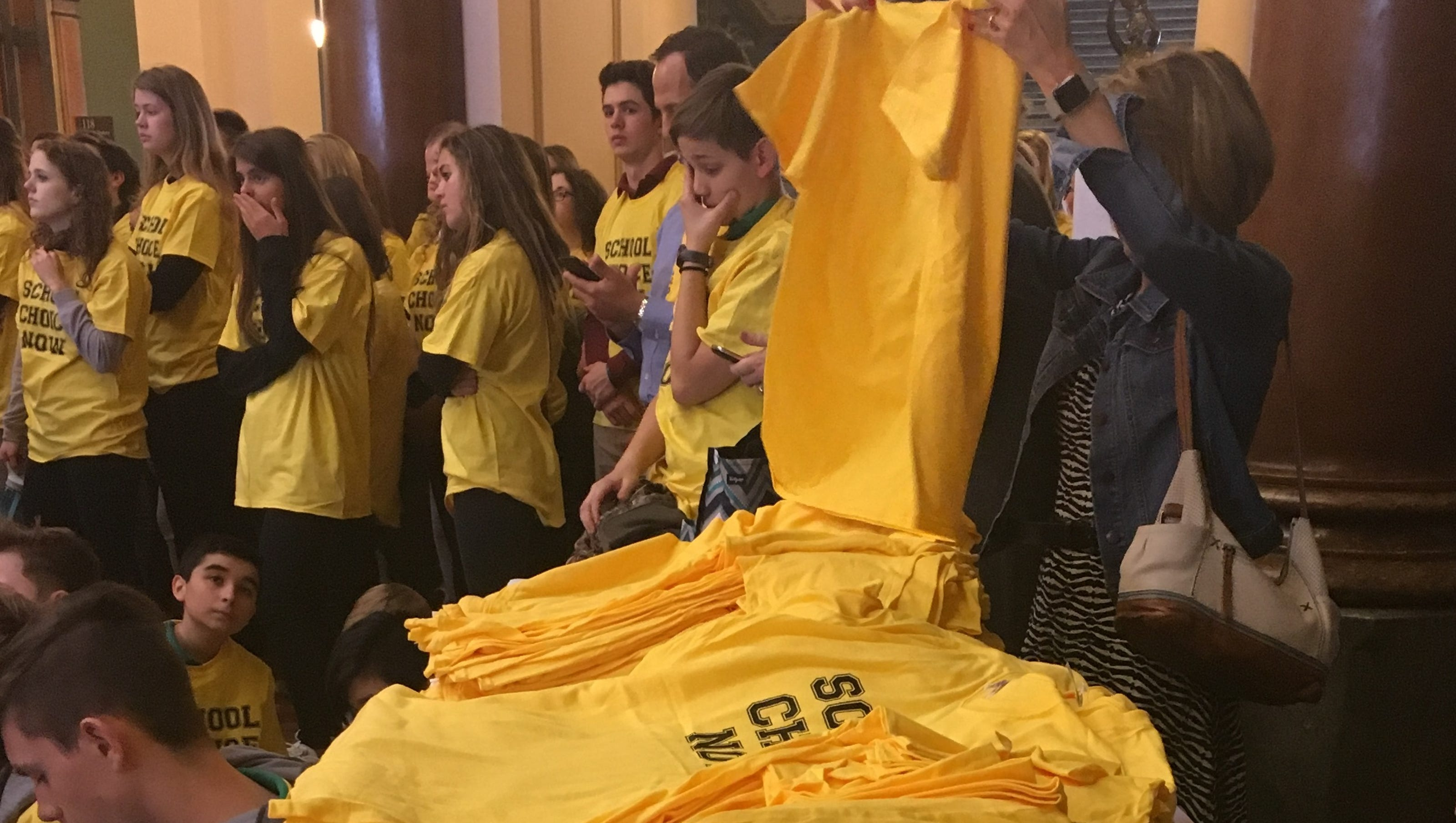 New bill opening transfers could re-segregate Iowa schools, opponents say