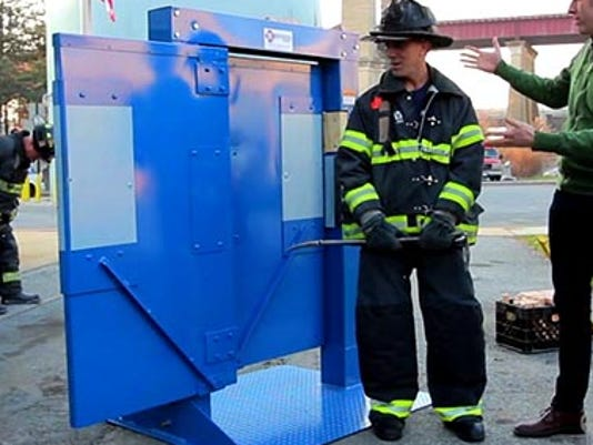 Dickson Fire Getting Forcible Entry Door Simulator