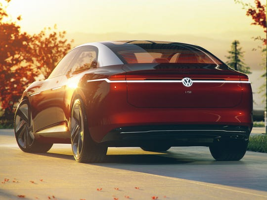 The rear of the I.D. VIZZION, with its sharp trailing edge, has ideal aerodynamic properties. Instead of a conventional trunk lid, an electrically actuated rear hatch swings upward, giving access to a 20.0 cubic-foot trunk.