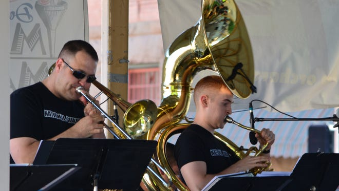 The 44th Army band will perform Sunday in Las Cruces.