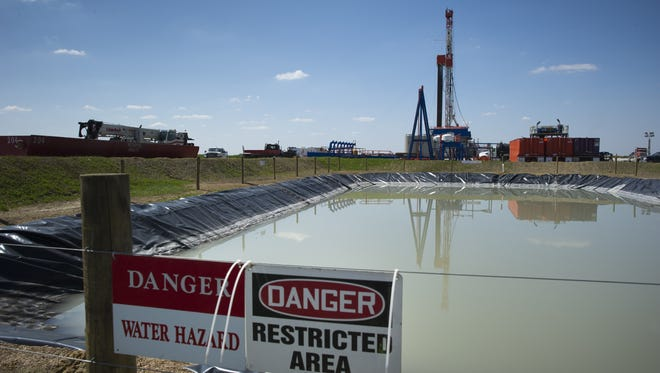 A Consol Energy Horizontal Gas Drilling Rig explores the Marcellus Shale outside the town of Waynesburg, PA on April 13, 2012. It is estimated that more than 500 trillion cubic feet of shale gas is contained in this stretch of rock that runs through parts of Pennsylvania, New York, Ohio and West Virginia.