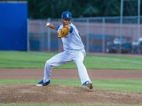 Florida Legends pitcher Yankrlos Lleras pitches against