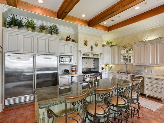 5m waterfront dream house is jaw dropping for La kitchen delight