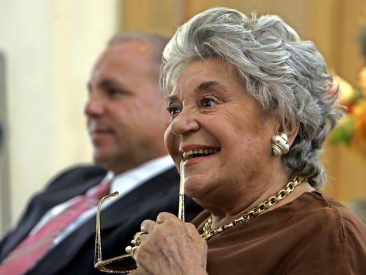 De Rothschild Grande Dame Of Wine Dies At 80