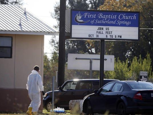 636455758492845114-636454997255068483-USP-News--First-Baptist-Church-Shooting.jpg