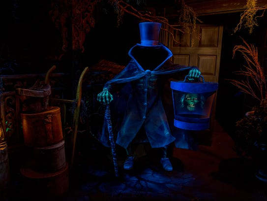 The Hatbox Ghost reappears in the Haunted Mansion at
