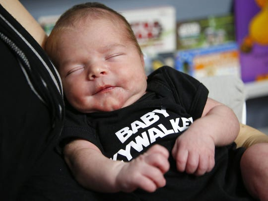 7734b9522 Star Wars' baby: Mom names new son Lucas Skywalker