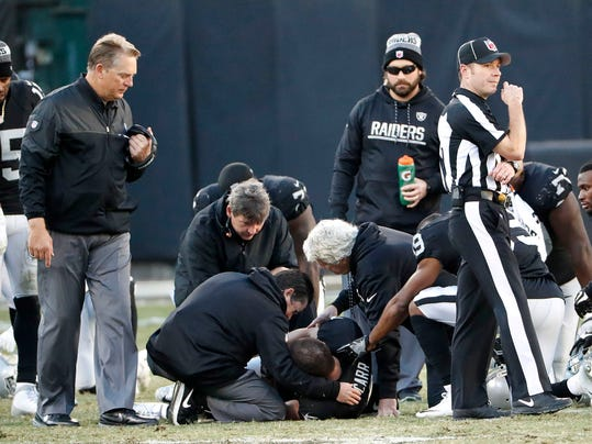 Young quarterbacks took a beating Saturday with Derek Carr of Oakland and  Tennessee s Marcus Mariota each broke right leg hours apart Saturday. e511cedd0