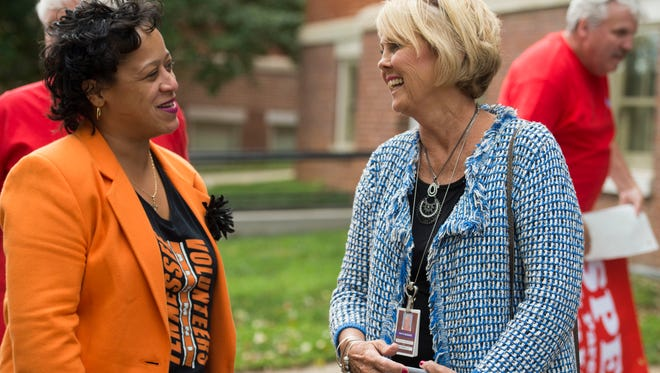 Knox County Education Association president Tanya Coats, left, talks with school board chair Patti Bounds after a news conference hosted by KCEA admonishing the state's Department of Education and how approximately 9,400 TNReady tests were scored incorrectly in October 2017.