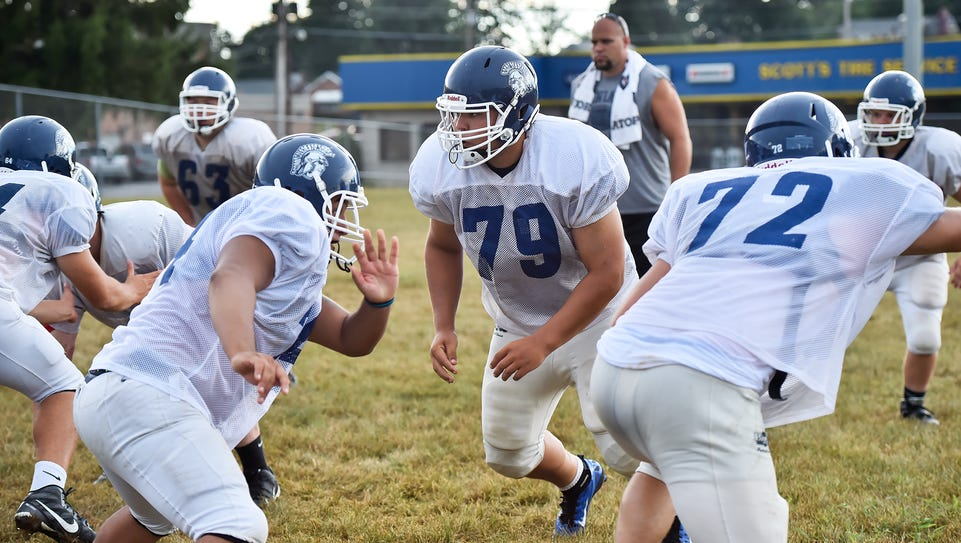 Chambersburg lineman Cory Martin (79)  practices with