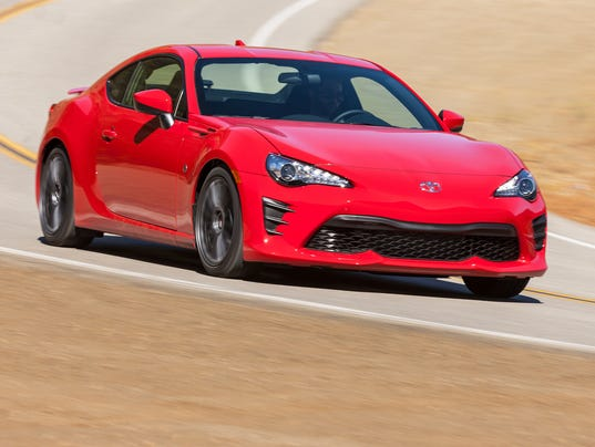 review 2017 toyota 86 is scion fr s sports car reborn. Black Bedroom Furniture Sets. Home Design Ideas