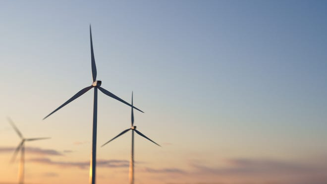 Platte River Power Authority is considering a new wind farm on Duck Creek Ranch in southern Wyoming and Northern Colorado .
