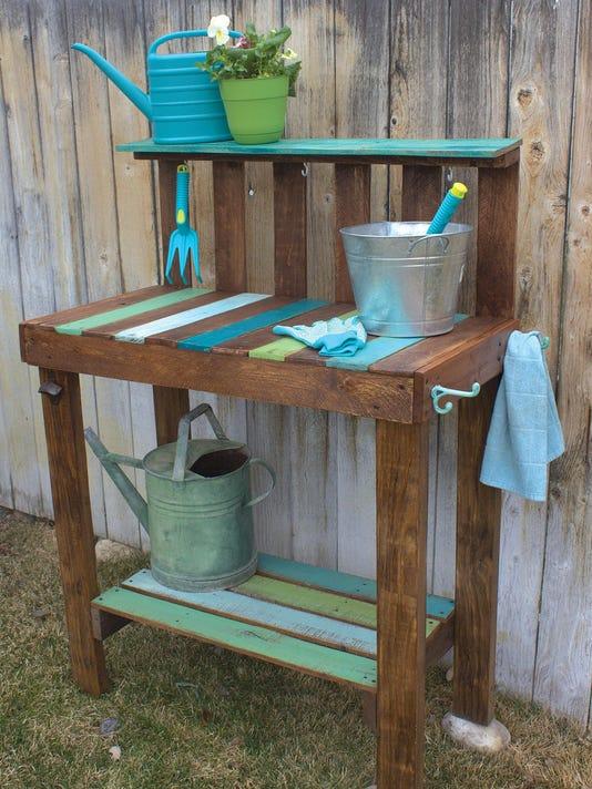 Crafts-Pallet Furniture