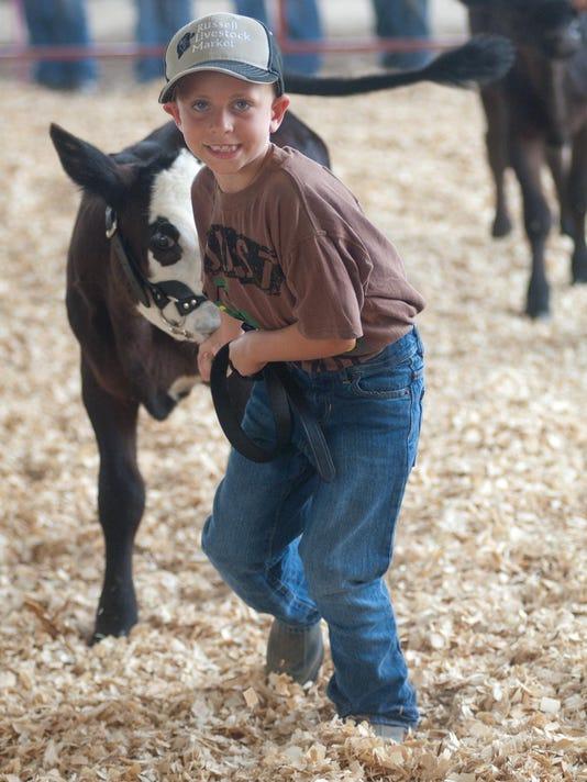 -nw.Fair bucket calf 07.jpg_20140724.jpg
