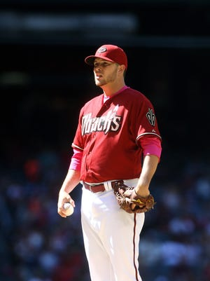 May 10, 2015: Arizona Diamondbacks pitcher Evan Marshall against the San Diego Padres at Chase Field.