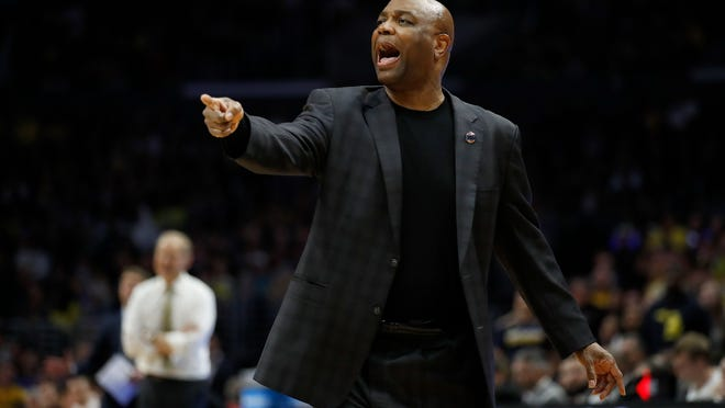 Florida State coach Leonard Hamilton yells during the second half of the team's NCAA men's college basketball tournament regional final against Michigan on Saturday, March 24, 2018, in Los Angeles. (AP Photo/Jae Hong)