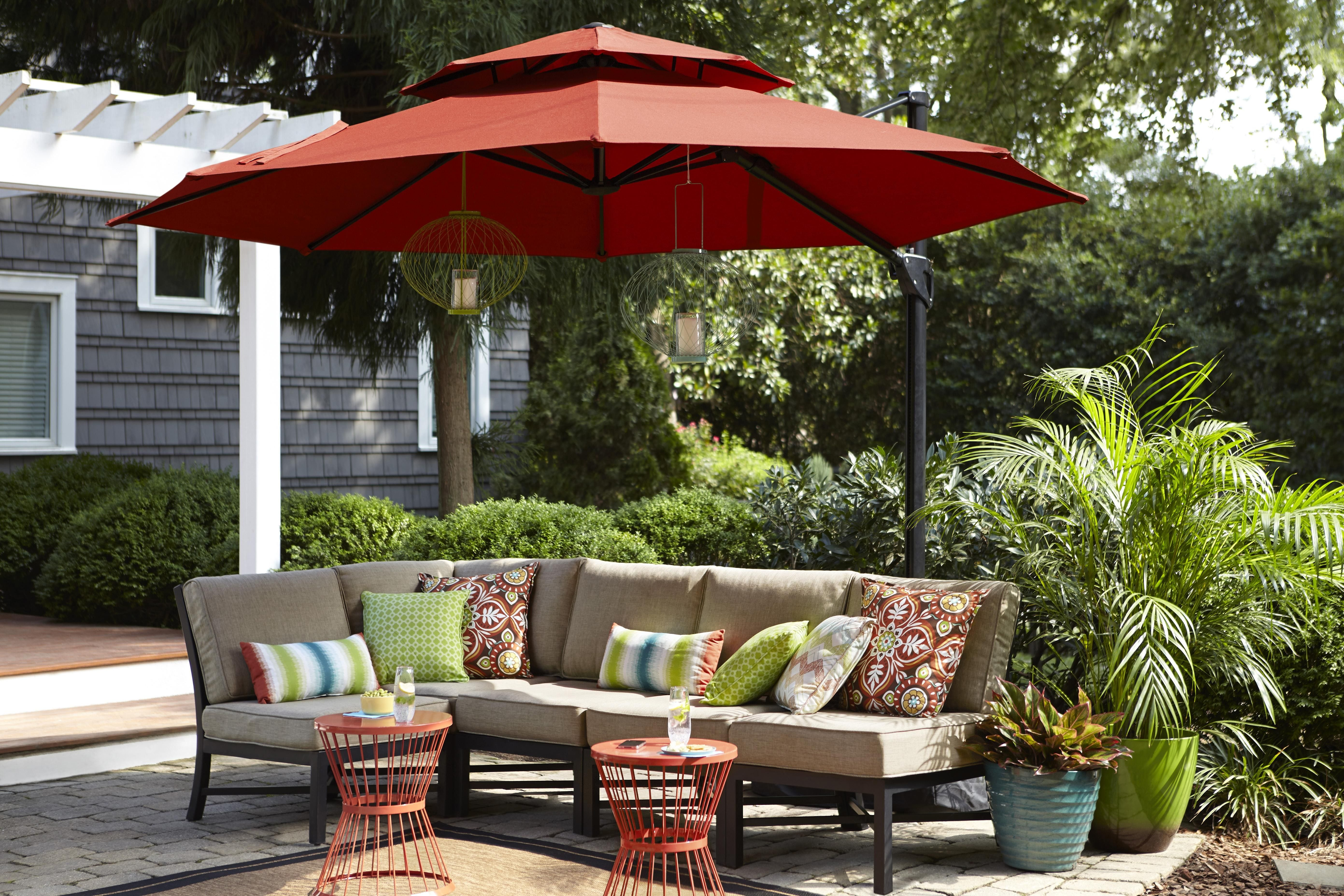 Garden Treasures Red Offset Patio Umbrella. (Photo: COURTESY OF LOWEu0027S)