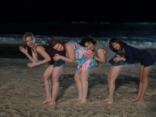 (L to R) Scarlett Johansson, Jillian Bell, Ilana Glazer,