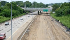 State working to end 'unacceptable standoff' over road projects