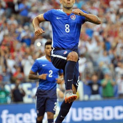 Jul 3, 2015; Nashville, TN, USA; USA forward Clint