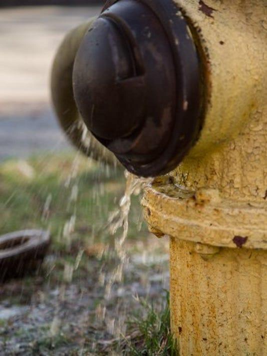635959679793151461-flint-hydrant-GTY-516164120.jpg