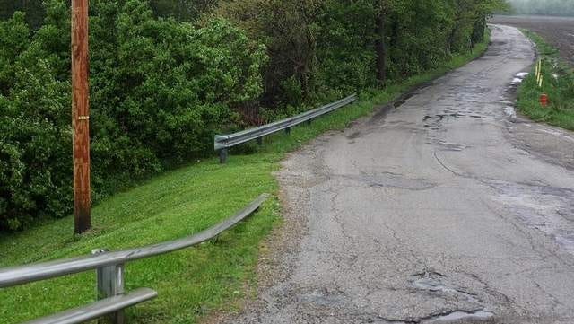 Butterfield Road north of Memorial Drive where an unsolved murder occurred in 1988.
