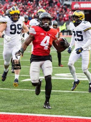 Ohio State Buckeyes running back Curtis Samuel (4) scores the game-winning touchdown.