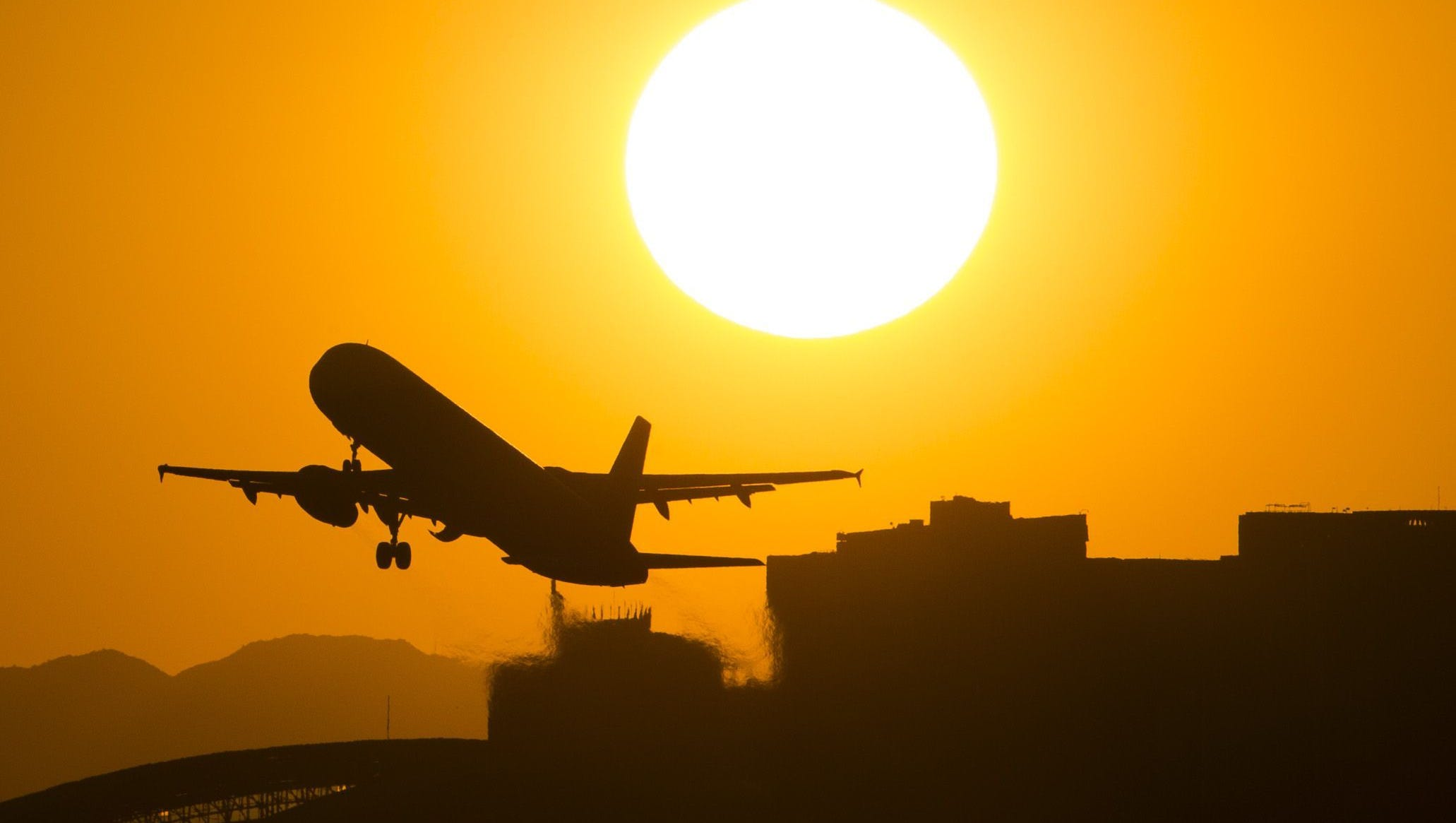 Some Flights Canceled Out Of Phoenix Due To Heat