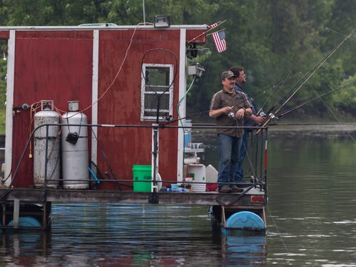 Wolf River fishing rafts a unique slice of Wisconsin