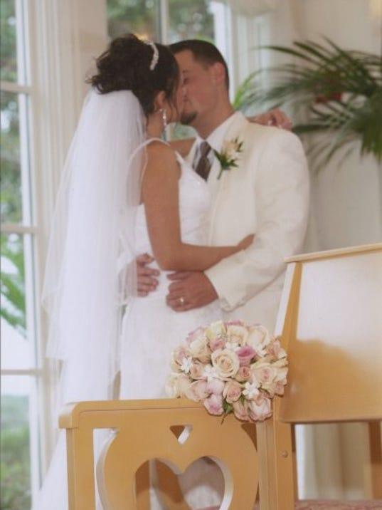 636252615219668943-wedding.jpg
