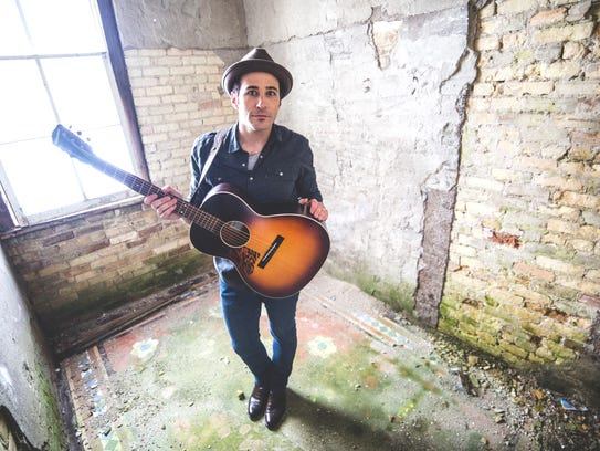 Joshua Davis will perform at Lansing Brewing Company.