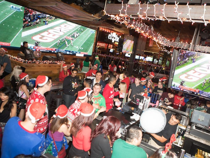 12 bars of christmas bar crawl in scottsdale