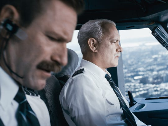 Aaron Eckhart (foreground) and Tom Hanks in 'Sully.'